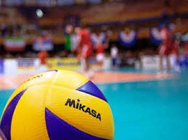 تناقض مسئولان وزارت ورزش در خصوص والیبال، حمایت داورزنی از داوری!