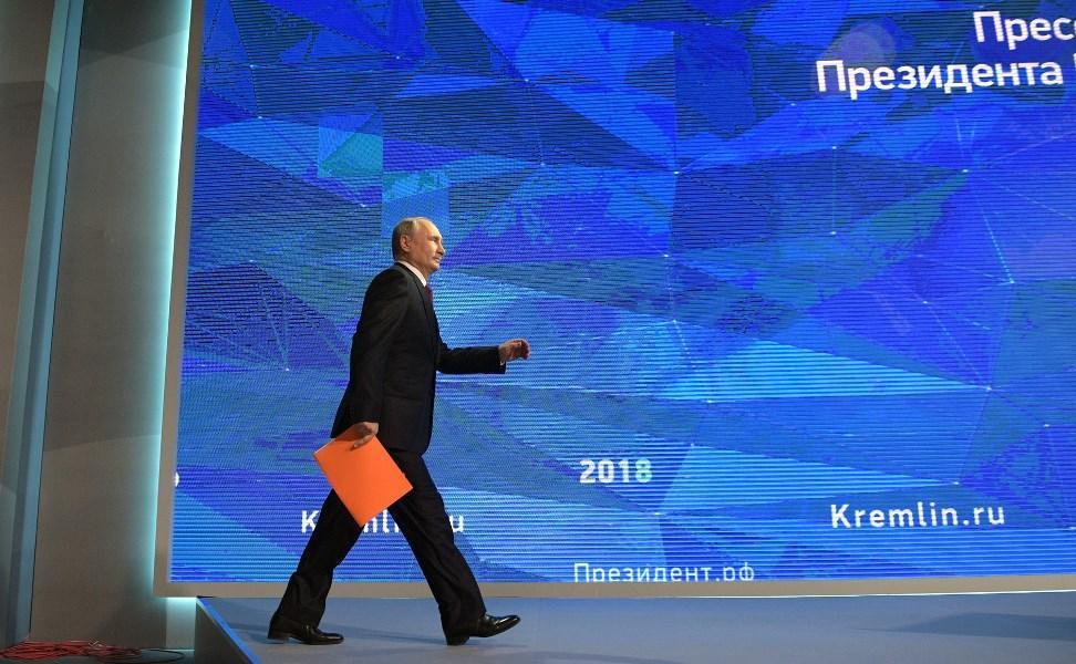سفر به کریمه؛ واکنش پوتین به تحریم های غرب علیه روسیه