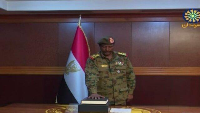 رئیس جدید شورای انتقالی سودان دستور آزادی تمامی افسرانی را صادر کرد